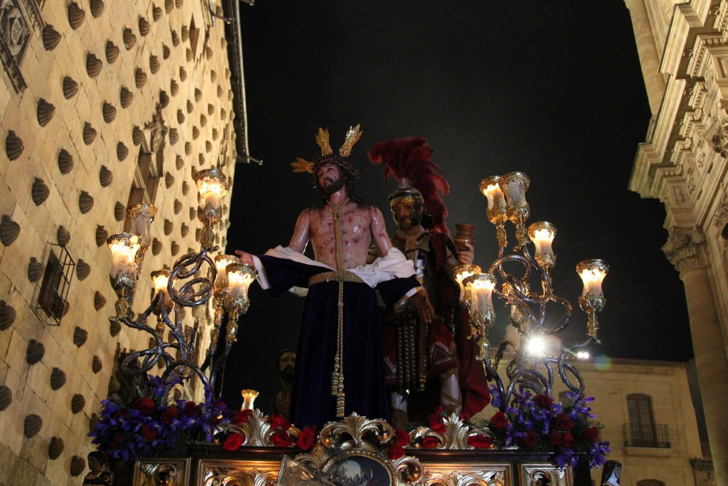 Statue of a bloodied Christ with a couple of Roman soldiers, Semana Santa