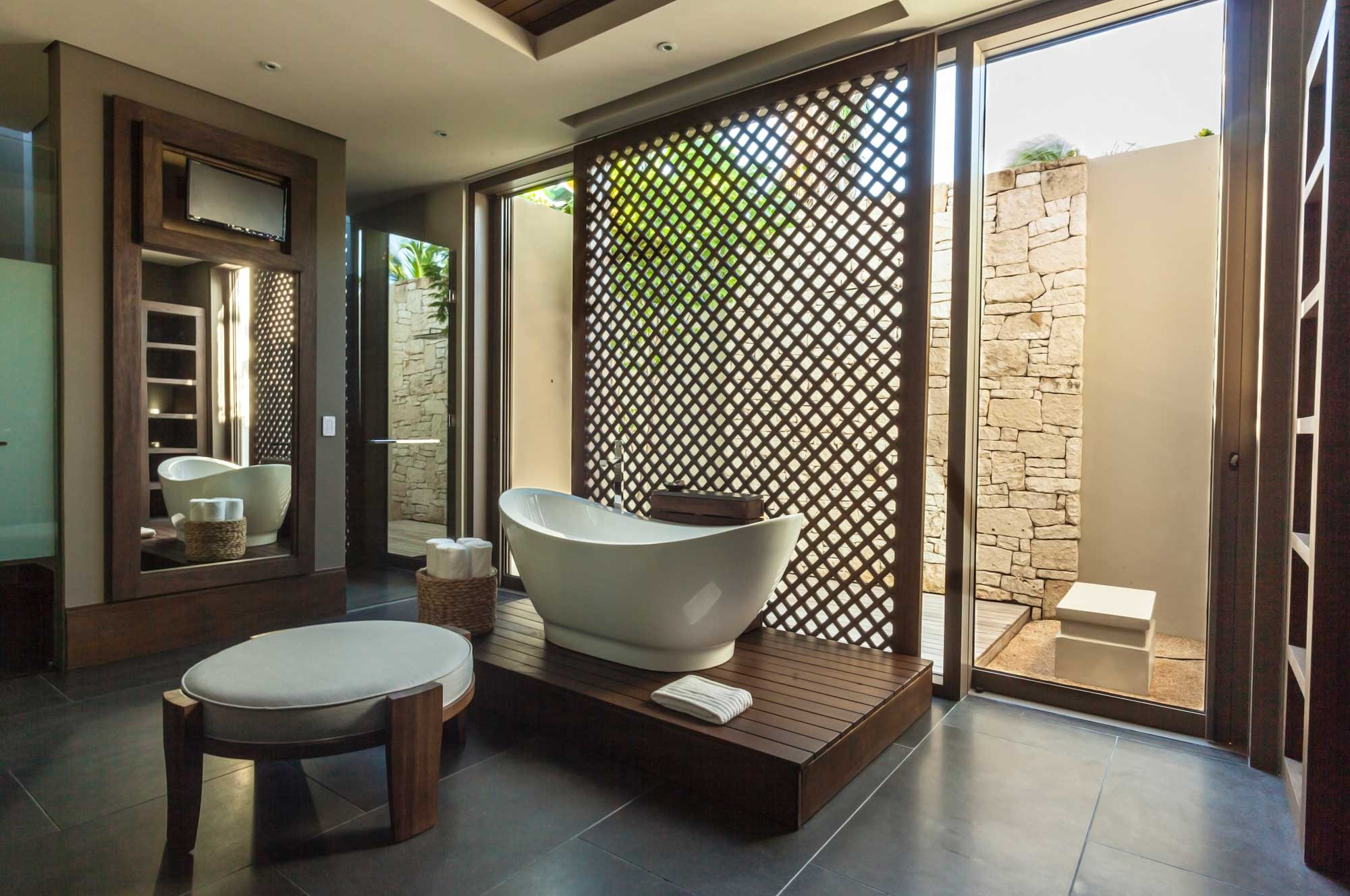 Spacious bathroom of the Garden Pool Villa, Nizuc Resort & Spa