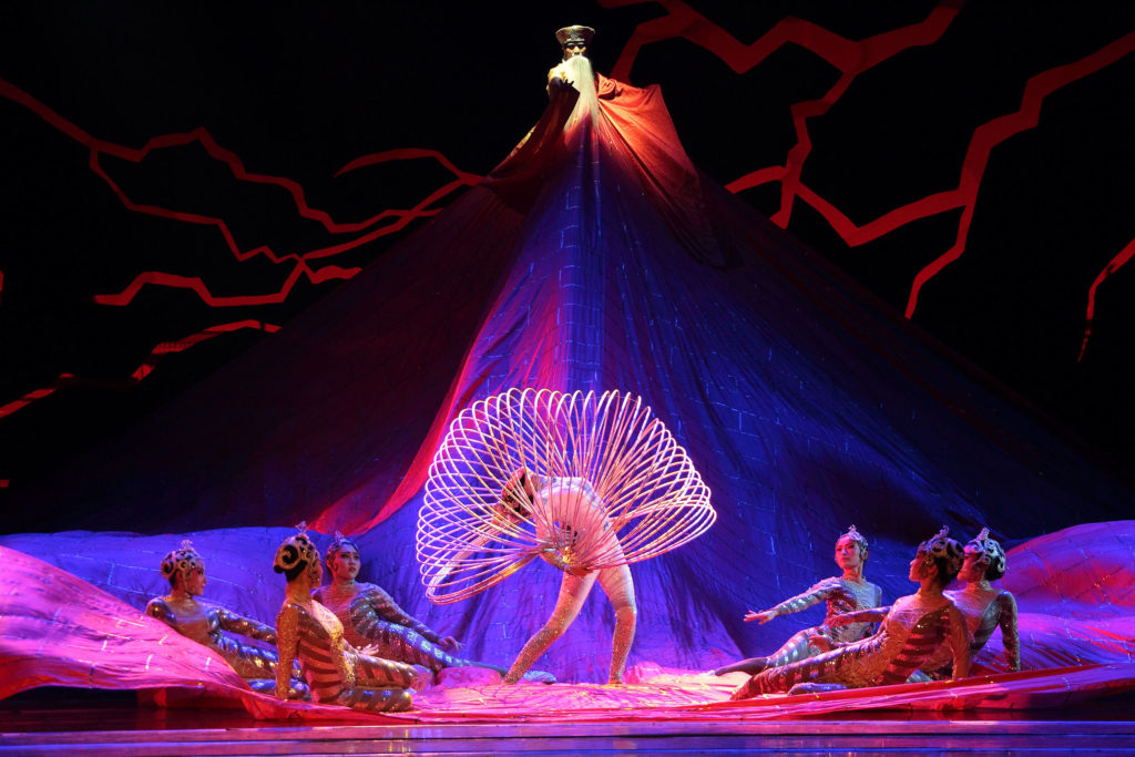 New Shanghai Circus The New Shanghai Circus combines traditional Chinese dance with dramatic acrobatic performance. Taking its inspiration from China's 2500-year-old acrobatic history, the circus features over 40 performers in exquisite costumes set amidst stunning backdrops — including a 3500-year-old sculpture. Founded in 1991 in Shanghai, they have toured internationally more than 80 times and are now based permanently in Missouri, USA. Photo by The New Shanghai Circus