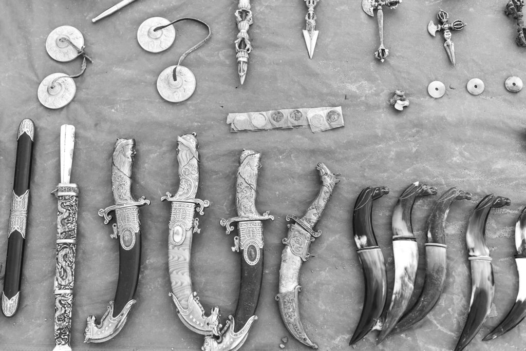 A roadside stall selling traditional Mongolian knives.