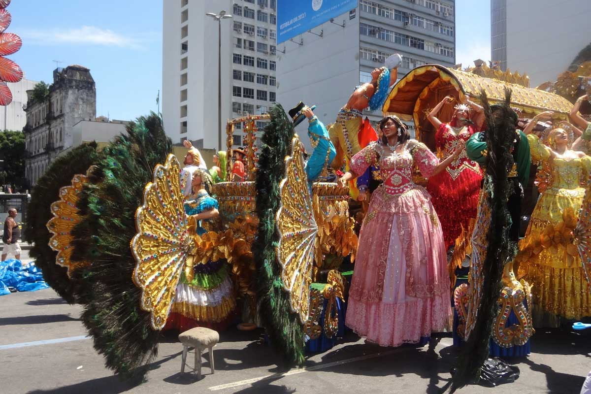 A large lady and carriage float seen close-up in the day, Rio